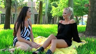 Molly cavalli courts lovely young givrilla
