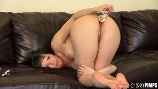 Nasty dana dearmond stuffs her old stinky gash with both hands