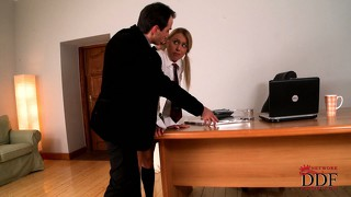Ungarisch, Teen, Büro, Blowjob, Blond