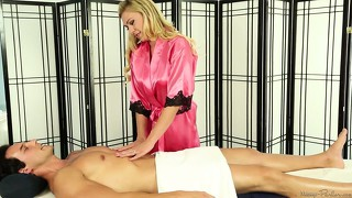 Experienced and fine-featured massage girl loves big schlongs