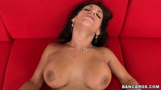 Bella reese knows what she's got and a hot pussy is what he wants