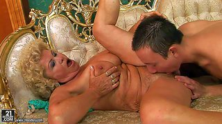 Effie is one mature slut with heavy boobs and hairy snatch. she gets her asshole and hairy pussy tongue fucked by young guy before she takes his rod in her dripping wet vagina. watch aged slut get banged.