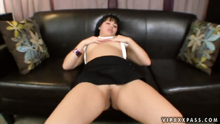 Teen asian tina lee showing nice solo tricks with her new toy