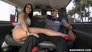 Hot chick masturbates in the back of a car and caresses random guy