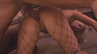 Fucking the hot blonde to cover her face in cum