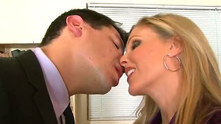 Julia ann undress herself in the office and starting to suck