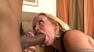 Moms cuckold. justin long give her his big cock.