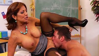 Muscular man johnny castle getting to fuck the busty brunette tara holiday