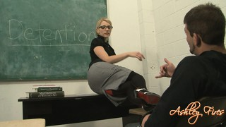 Gracious flesh-peddler loves to humiliate her lovers and slap their asses