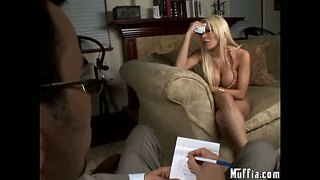 Carmel moore suck a really huge cock of her boss in his