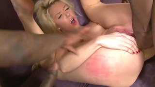 Blonde courtney taylor loves rough double penetration