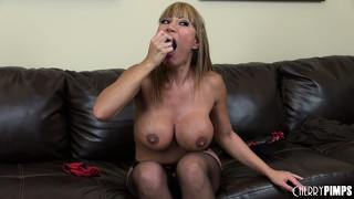 Super hot cougar with monstrously big jugs ava devine plugs her pussy
