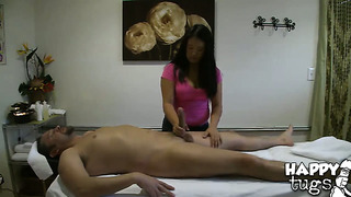 Exotic kiwi ling with juicy bottom and shaved muff gulps dude's throbbing boner
