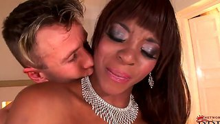 Ebony-skinned jasmine is all about making her partner a little bit happier with blowjob