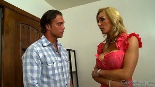 Rocco reed gets a hot blowjob from tanya tate