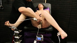Female sex slave is going to be fucked by ferocious sex machine