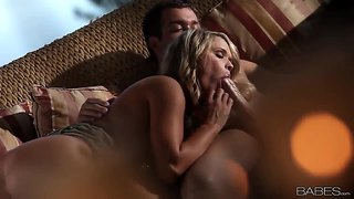 Chad white gets pleasured by hot heather starlet