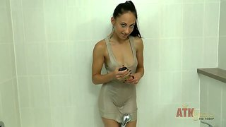 An amazing brunette with good body ell storm in her bathroom