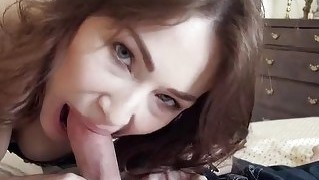 Horny gf macy tries out anal sex on tape