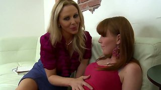Julia ann and marie mccray making out nicely