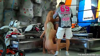 Omar galanti gets a double blowjob from blondes