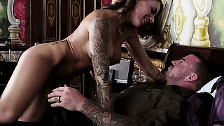 Horny bellboy gets to spy after hot inked busty pleasuring her fuck buddy