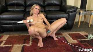 Natasha starr attacks her pussy with a strong vibrator and a dildo
