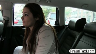 Amateur with big tits have no money to pay her cab fare
