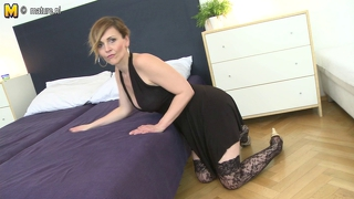 Super hot milf fucking like a little maniac