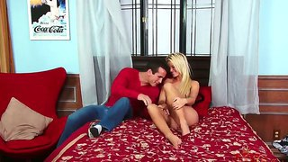 The handsome blonde pornstar jessa rhodes suck a cock deep and goog and jumps on a top