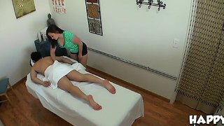 Hot babe kita zen is doing an private massage to the lucky guy jeremy steele