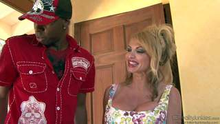 Mature taylor wane gives big black dick a try