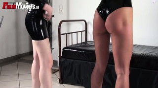 Pussy-licking babes are enjoying their fetish experience in a room with wight walls