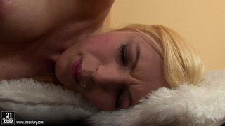 Blondie is never disappointed when the vibrating dildo comes out to play