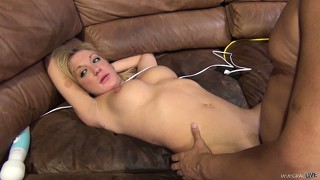 Amy gets her cunt pounded and then gives him head and nibbles balls