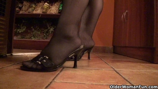 Mature bbw with xxl tits wears stockings and high heels