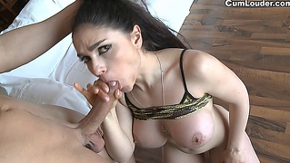 Busty marta just wants your cum inside her mouth