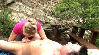 Blonde milf julia ann pleases hunk by giving him a magic blowjob and deepthroating