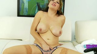 Big titted slut kiki daire plays with gigantic toy